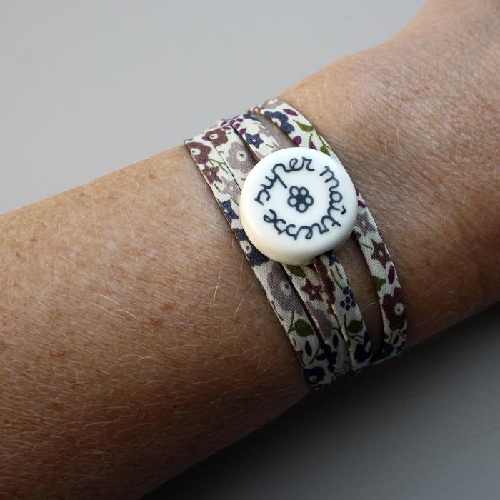 bracelet pour la ma tresse d 39 cole ou l 39 atsem petit rond claudia ladri re cr ations. Black Bedroom Furniture Sets. Home Design Ideas