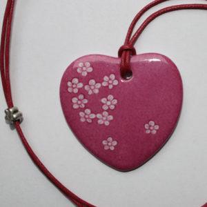 pendentif medaillon collier rose petites fleurs claudia ladriere1