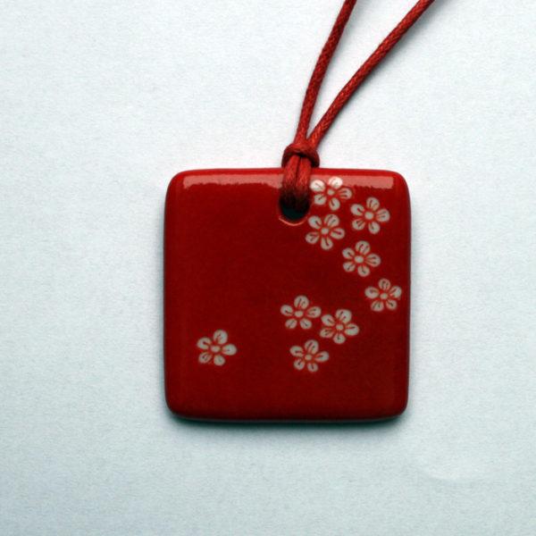pendentif rouge